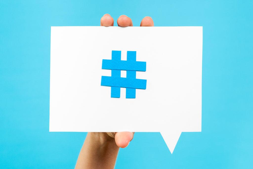 Homo Digitalis: Ricco Di #hashtag, Povero Di Parole