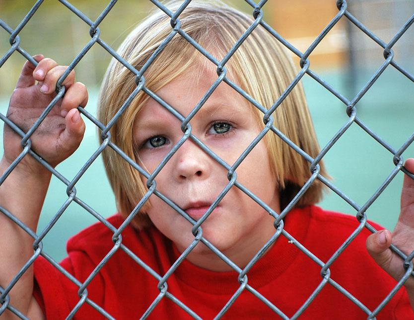 Abuso Infantile In Rete. Prima Di Condividere: Pensa!