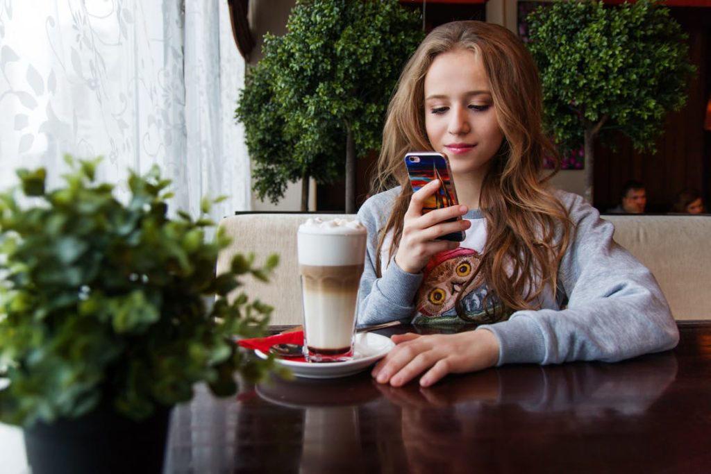 Sicurezza Online: I Consigli Del Telefono Azzurro