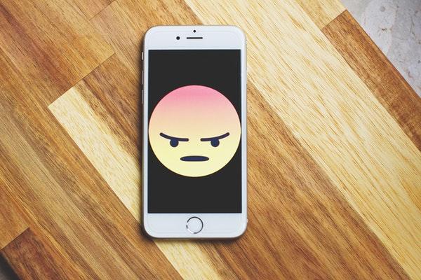 Cyberbullismo: Come Combattere I Mostri Della Rete