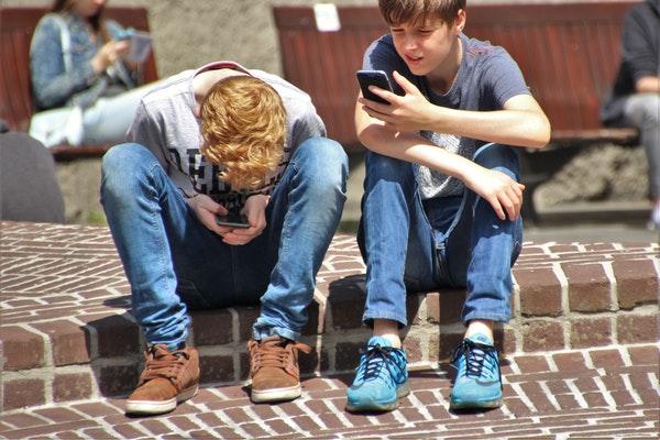 Vaguebooking: Ricerca Di Attenzioni O Salvaguardia Della Privacy?